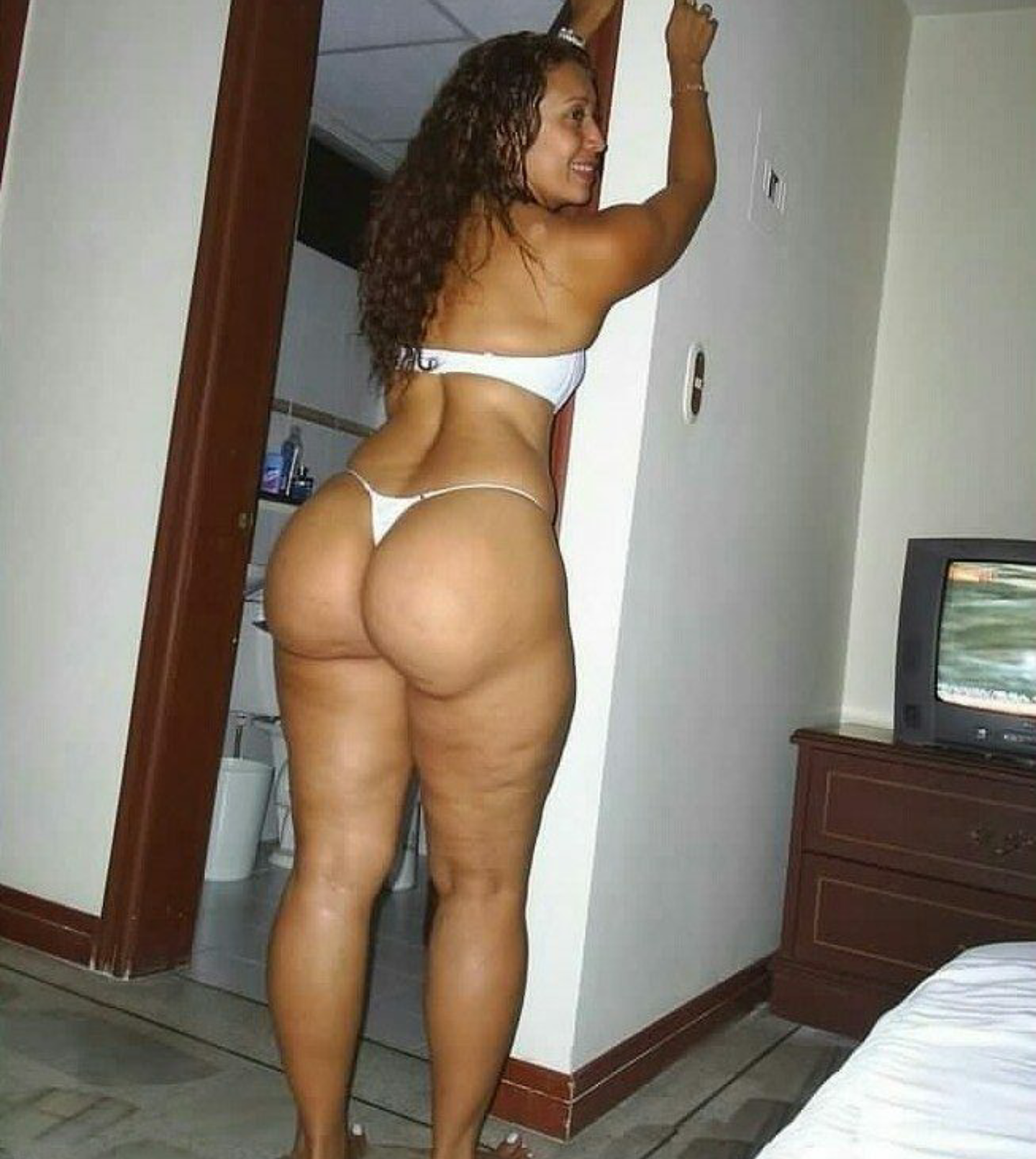 photo of thick black naked girls